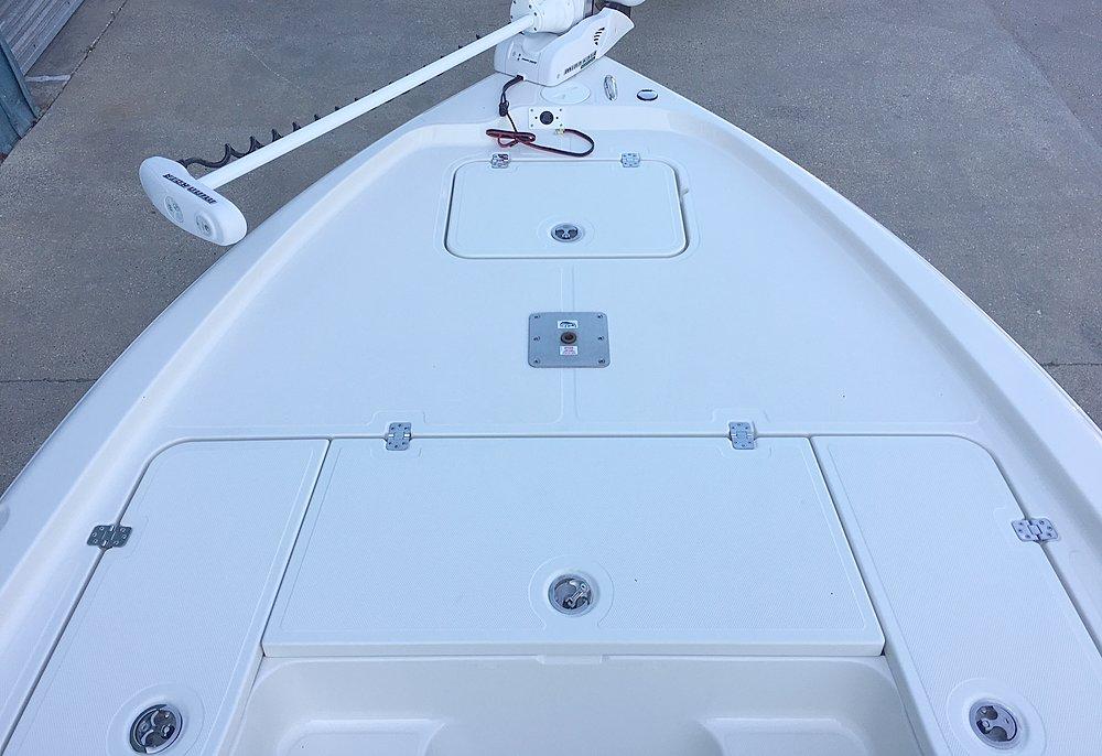 New  2015 24' Triton 240 Lts-pro Bay Boat in Violet, Louisiana