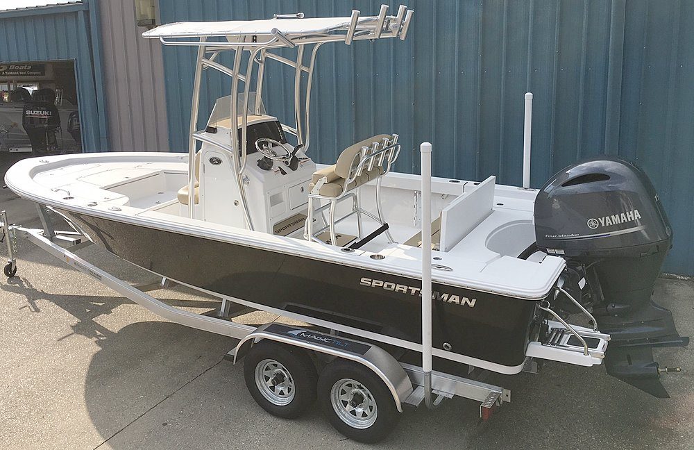New  2018 22' Sportsman Masters 227 Bay Boat